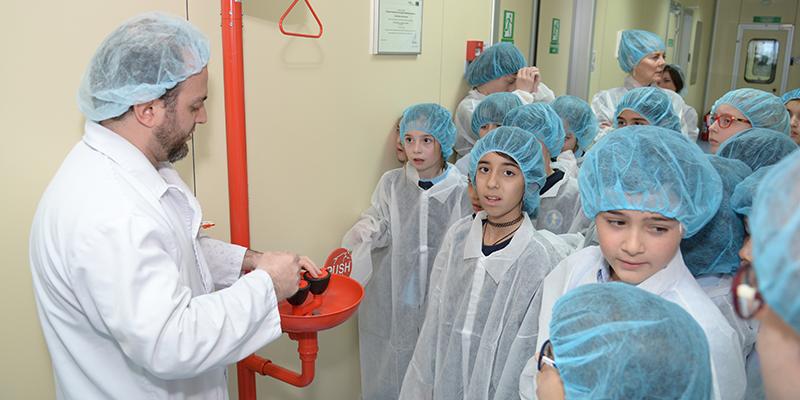 Ученики Британско-грузинской академии посетили «Аверси-Рационал»